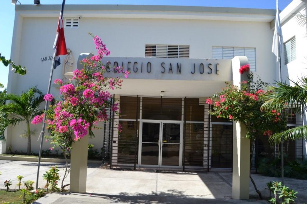 Colegio – Escuela San José, Azua